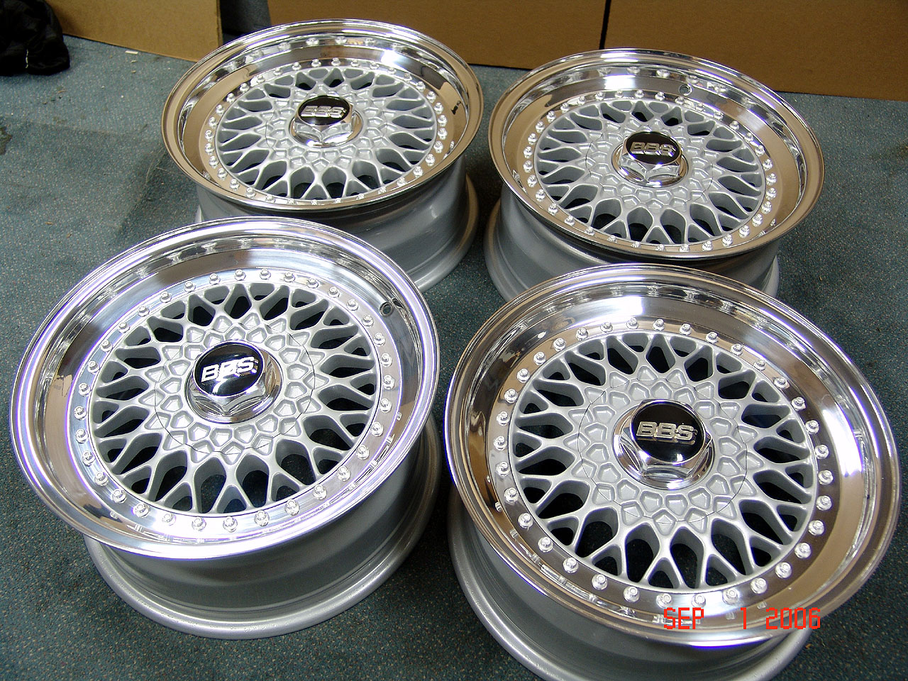set of wheels on an e28 or